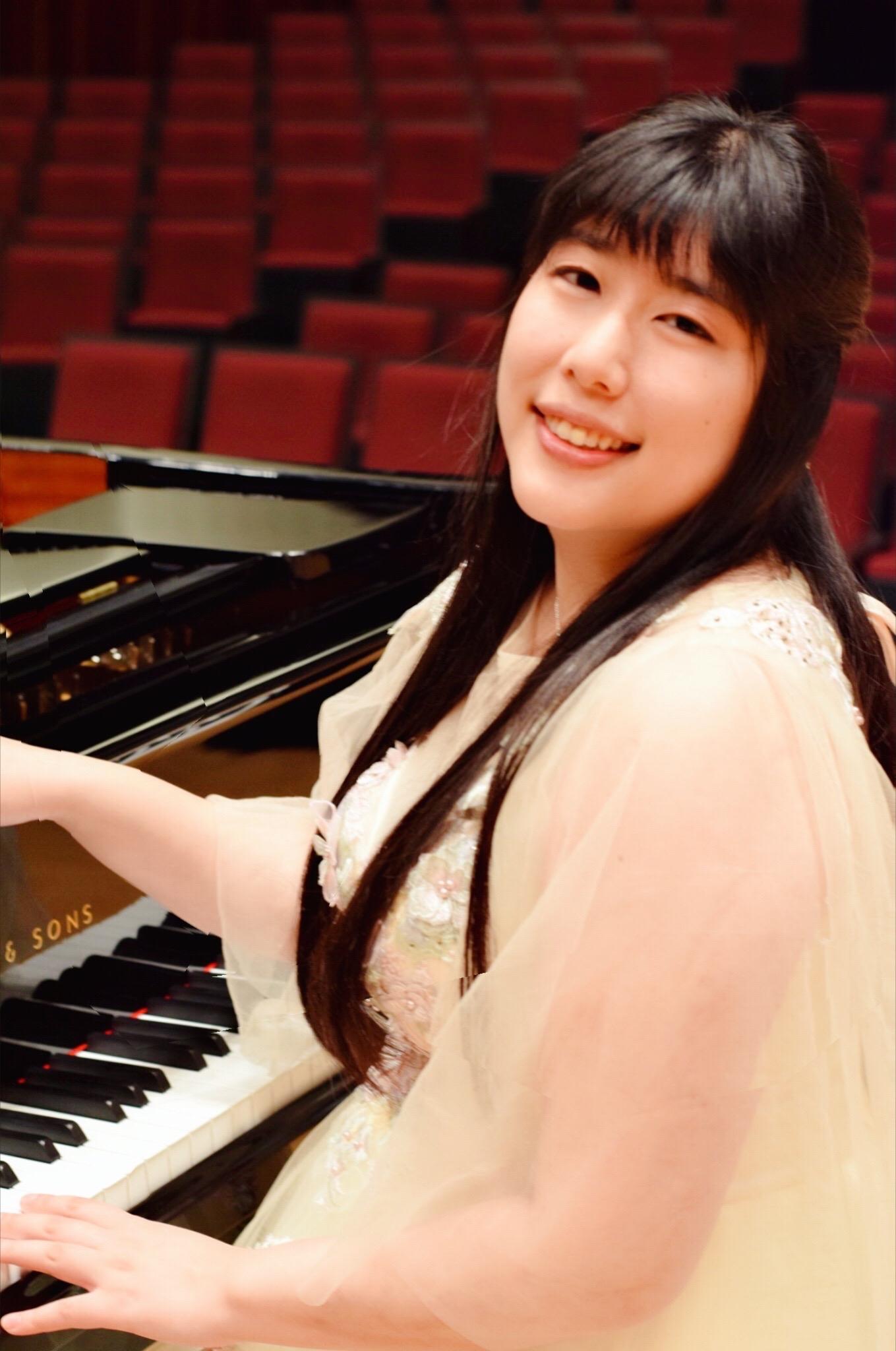 佐藤 晴香(ピアノ)
